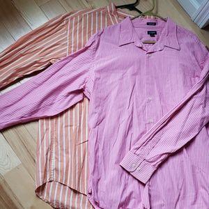 Set of 2 mens dress shirts